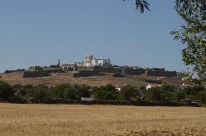 Estramoz med slottet på bakketoppen